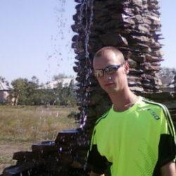 Парень, ищу девушку для минета в Волгограде