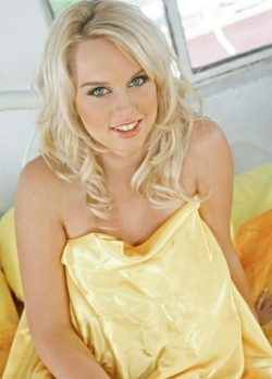 Сексуальна блондинка в поиске разврата, ищет себе страстного мужчину в Волгограде